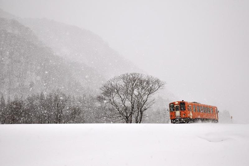 雪景色の秋田内陸線_e0162117_1163885.jpg