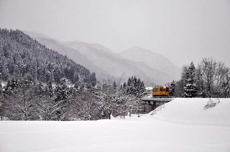 雪景色の秋田内陸線_e0162117_1213551.jpg