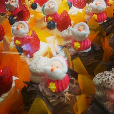 ケーキ屋さんでのクリスマス_a0290531_2324391.jpg