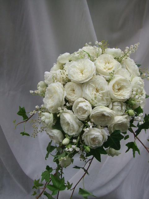 オークリーフ(白バラ・ホワイトムーンと鈴蘭のウェディングブーケ)_f0049672_15275526.jpg
