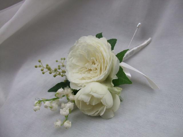 オークリーフ(白バラ・ホワイトムーンと鈴蘭のウェディングブーケ)_f0049672_1537116.jpg