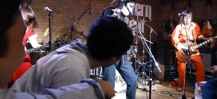 2012年カラフル年末ライブのライブレポ、その2_e0188087_1639492.jpg