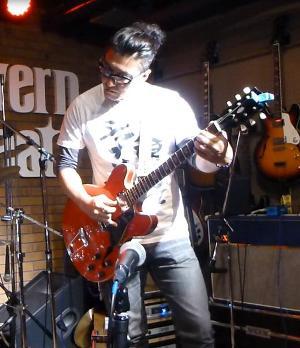 2012年カラフル年末ライブのライブレポ、その2_e0188087_2158883.jpg