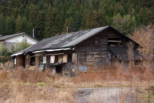 築約100年の炭住の解体_f0173596_18475312.jpg