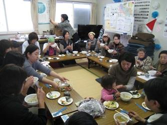 水餃子作りと、紙芝居&指人形劇_d0250505_15561687.jpg