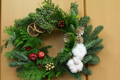 一会定期レッスン12月クリスマスリース モミの部_a0042928_17435430.jpg