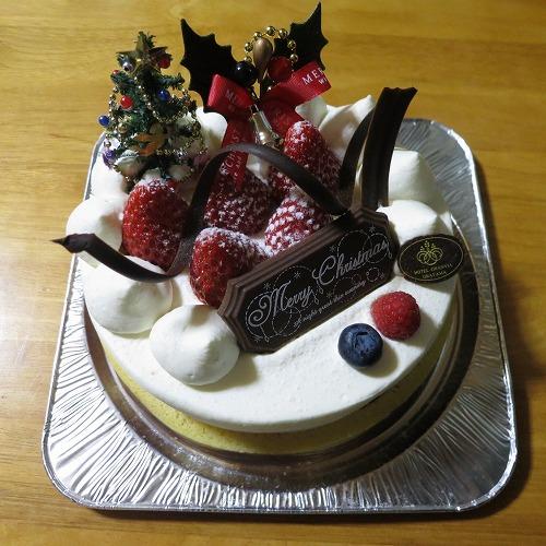 まるごと苺の生クリームケーキ @ホテルグランヴィア岡山_a0055835_055559.jpg