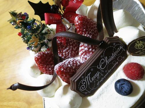まるごと苺の生クリームケーキ @ホテルグランヴィア岡山_a0055835_061395.jpg