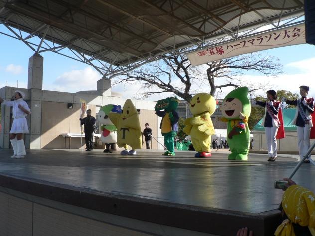 【速報】宝塚ハーフマラソン&JRA「リボン賞」_a0218340_1626373.jpg