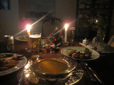 クリスマスイブの食卓風景_a0279743_11193731.jpg
