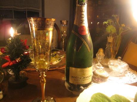 クリスマスイブの食卓風景_a0279743_11201371.jpg