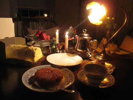 クリスマスイブの食卓風景_a0279743_11221811.jpg