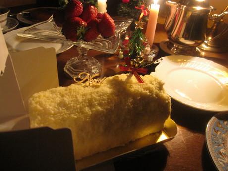 クリスマスイブの食卓風景_a0279743_11243828.jpg
