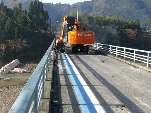 写真で見る『中央橋架け替え工事』_c0238069_9264251.jpg