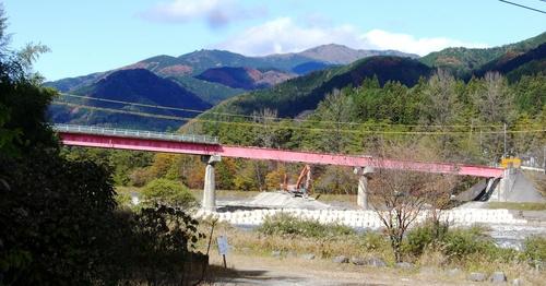 写真で見る『中央橋架け替え工事』_c0238069_9273230.jpg