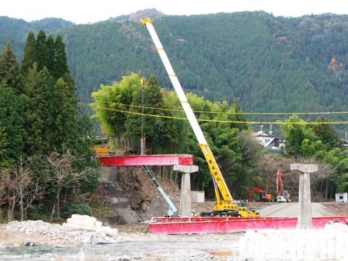 写真で見る『中央橋架け替え工事』_c0238069_9292349.jpg
