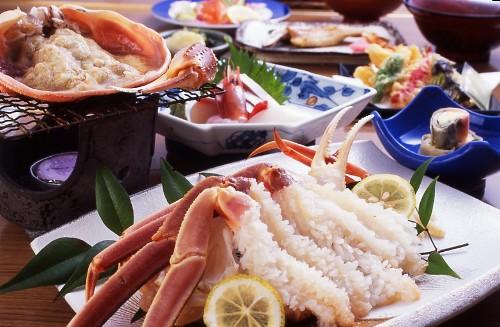 『暮れお正月』は他では食べれない活松葉ガニをどうぞ!!_d0154569_22135430.jpg