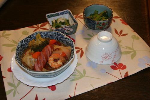 今食べごろの畑の小松菜はとても大きい~。_f0229190_21433813.jpg