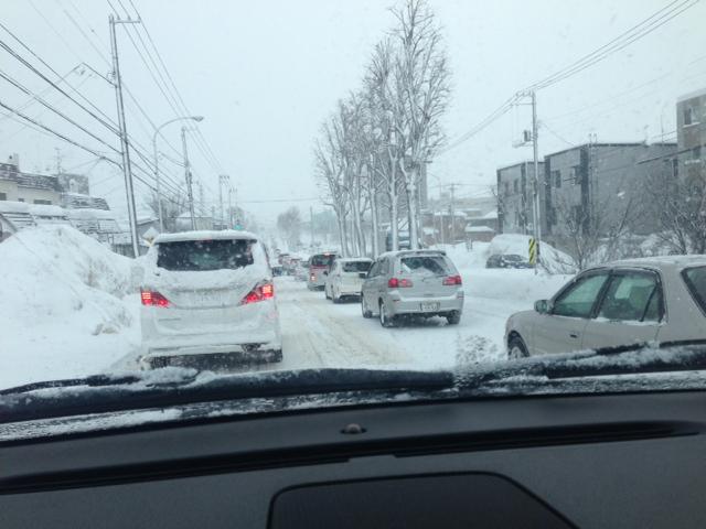 渋滞(≧∇≦)今朝の札幌_b0127002_10455450.jpg