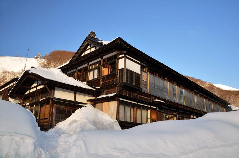 雪景色の酸ヶ湯_e0162117_10591059.jpg