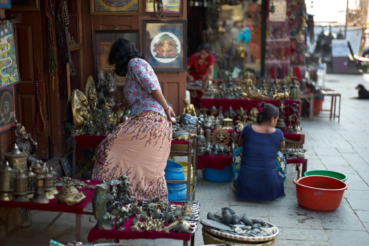 Swayambhunathのお土産屋さん_c0116732_19433737.jpg