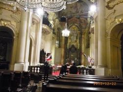 Czech Republic プラハのクリスマスと教会コンサート_e0195766_153379.jpg