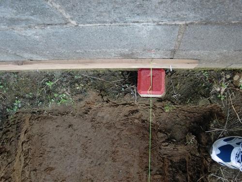 ブロック塀 ~ 新しい基礎打ち準備_d0165368_1803785.jpg
