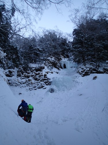 八ヶ岳・広河原沢右俣-クリスマスルンゼ等々_d0107938_1292527.jpg