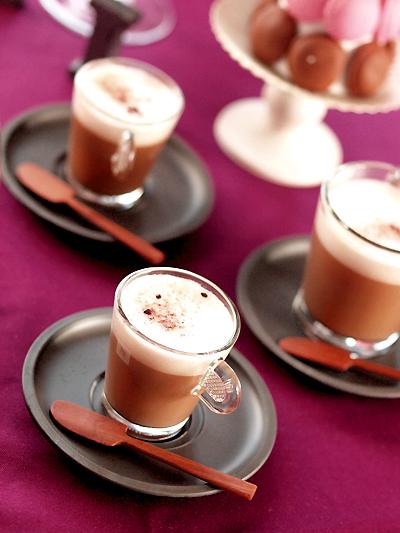 温かいお茶と、焼き菓子で乾杯。_e0172847_7461333.jpg