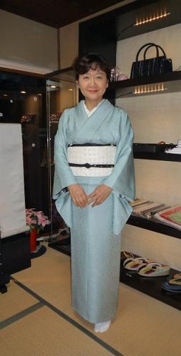 野田淳子さん・素敵な色無地のイブの着姿。_f0181251_1751347.jpg
