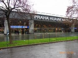 Czech Republic プラハの風景とKolonadaのカフェ_e0195766_113171.jpg