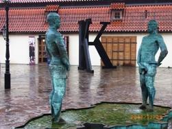 Czech Republic プラハの風景とKolonadaのカフェ_e0195766_124331.jpg