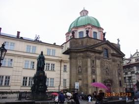 Czech Republic プラハの風景とKolonadaのカフェ_e0195766_151364.jpg