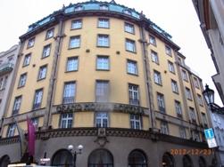 Czech Republic プラハの風景とKolonadaのカフェ_e0195766_162657.jpg