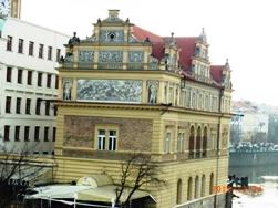 Czech Republic モルダウと聖ミクラーシュ教会_e0195766_22583510.jpg