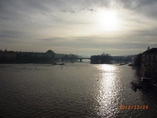 Czech Republic モルダウと聖ミクラーシュ教会_e0195766_231424.jpg