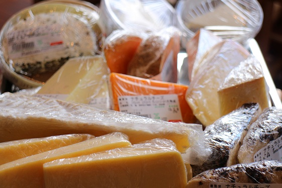 【入荷情報】チーズ届きました!_b0016474_16574.jpg