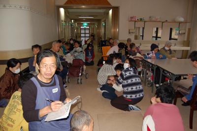 地震を想定した避難訓練を実施。_a0154110_9571572.jpg
