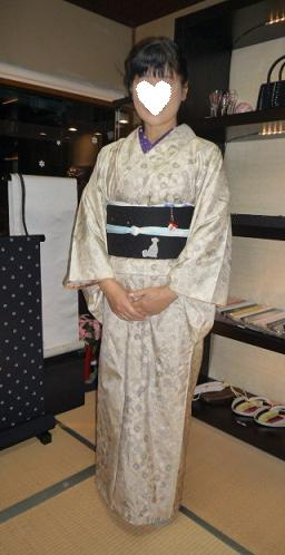 青森からのお客様のイブのお洒落な着物姿。_f0181251_17135839.jpg