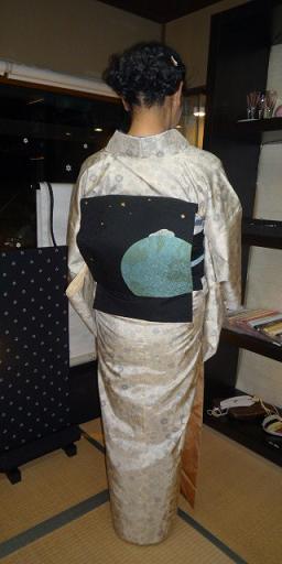 青森からのお客様のイブのお洒落な着物姿。_f0181251_17164120.jpg