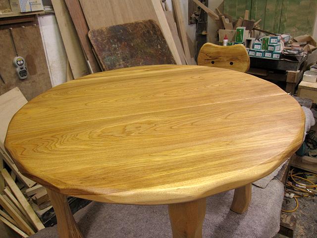 先着1名様のみ 丸ローテーブル+大ネコ椅子お年玉特価セット_e0072513_12441822.jpg