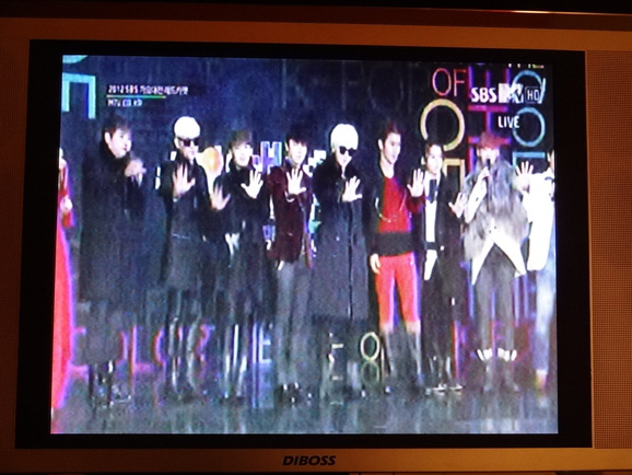 SBS歌謡祭???_d0219834_20521013.jpg