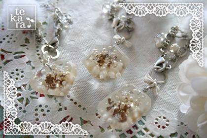 雪景色の宝石&小瓶完成*_a0139874_2327468.jpg