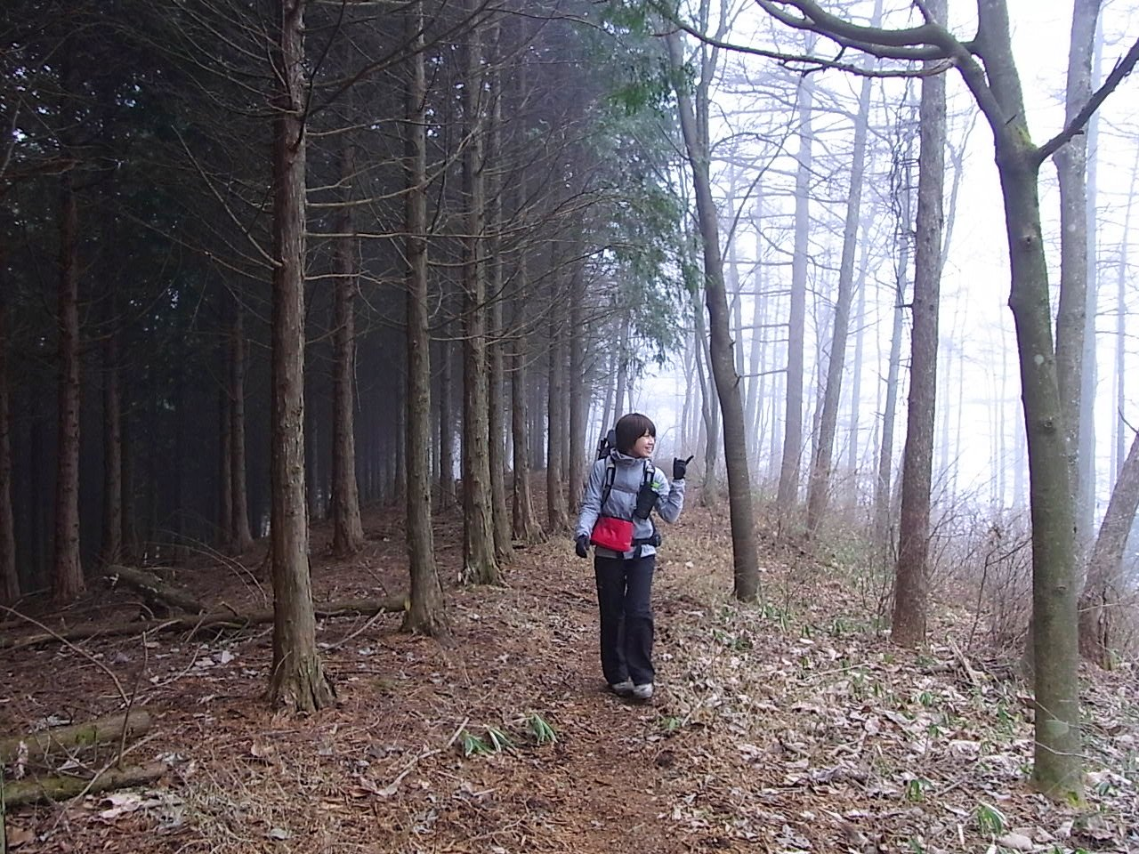 2012.12.23 笹尾根を大きなバックパックで歩く_b0219778_23153488.jpg