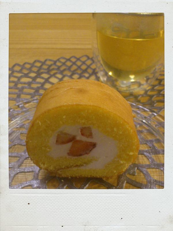 くるくるロールケーキとラザニア。_b0065587_941342.jpg