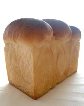 ホシノ食パンと年末の防災見直し_b0135412_1427171.jpg