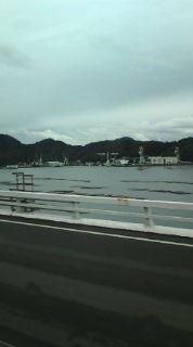 冬の広島湾のかきいいかだ。_e0094315_1940142.jpg