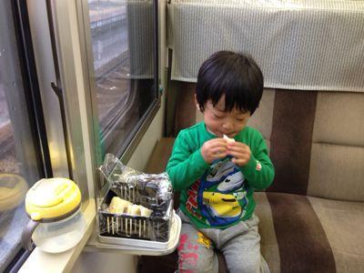 今日も電車の旅_e0046950_1574514.jpg