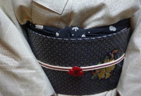 結城に染め帯・白大島にまいづるのクリスマスの帯。_f0181251_16125667.jpg