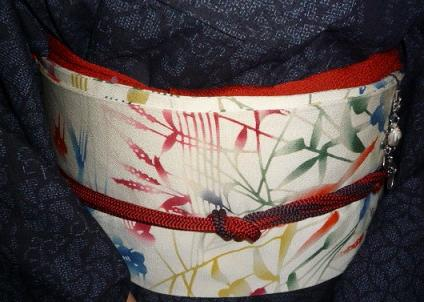 結城に染め帯・白大島にまいづるのクリスマスの帯。_f0181251_1624161.jpg